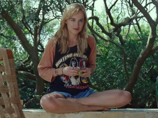 A Bigger Splash: The Young One-Penelope (Featurette)