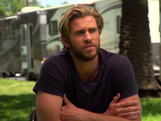 The Dressmaker: Liam Hemsworth On His Character (US)