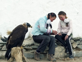 The Eagle Huntress: Just Me (US)