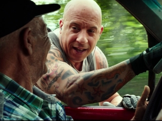 xXx: The Return Of Xander Cage: Skate Board
