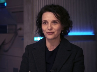 Ghost In The Shell: Juliette Binoche about Scarlett Johansson (International)