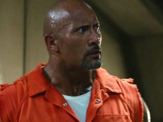 Shaw Incites A Prison Riot To Escape