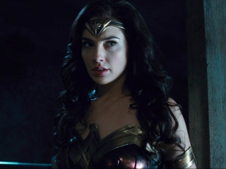 Wonder Woman (Trailer 4)
