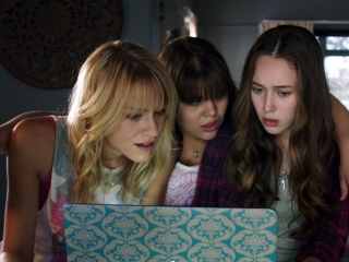 Friend Request: Laura And Her Friends Discover Dark Things