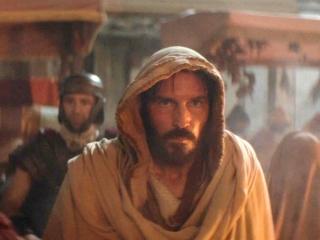 Paul, Apostle Of Christ: Luke Enters Rome In Secret