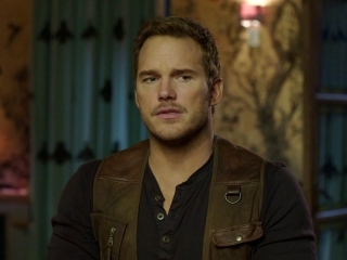 Chris Pratt On How Jurassic Movies Are About Relationships