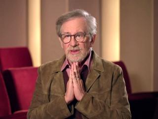 Steven Spielberg On Michael Crichton Making Dinosaurs In The World
