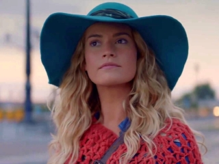 Mamma Mia! Here We Go Again: Becoming Donna (Featurette)