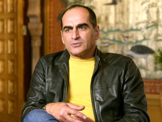 Navid Negahban On The Sultan Worrying About Jasmine
