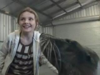 Nims Island Abigail Breslin Works With The Two Sea Lions Exclusive