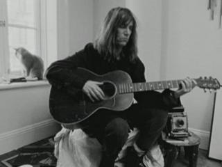 Patti Smith Dream Of Life Patti Talks About Getting Her Guitar Tuned By Bob Dylan
