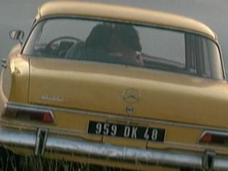 BETTY BLUE THE DIRECTORS CUT ZORG AND BETTY JOYRIDE IN A YELLOW CAR