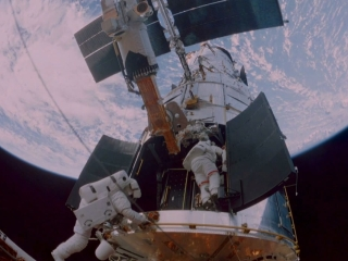 HUBBLE 3D: FOOTAGE FROM THE STS 125 MISSION