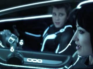 Tron Legacy Quorra Saves Sam