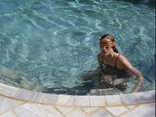 Dogtooth (French)