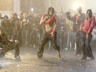 STEP UP 3D (UK)
