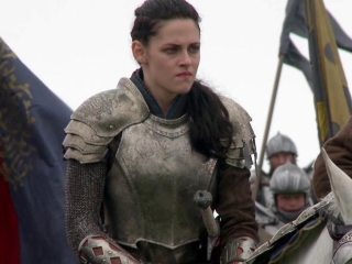 Snow White And The Huntsman: Inside The Action (Featurette)