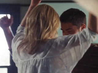 The Lucky One Dancing Montage