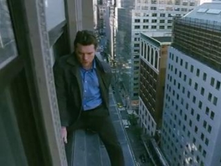 MAN ON A LEDGE: (FRENCH)
