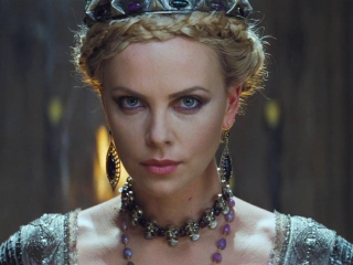 Snow White And The Huntsman (Spanish Trailer 2)