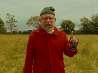 Moonrise Kingdom: Wes Anderson (Featurette) - Trailers ...