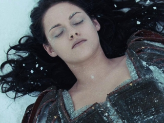 Snow White And The Huntsman (Finnish Subtitled Trailer 4)
