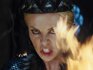 Snow White And The Huntsman (French Subtitled Trailer 4)