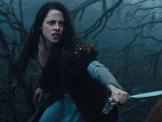 Snow White And The Huntsman Greek Subtitled Trailer 4