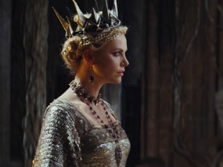 Snow White And The Huntsman (Turkish Trailer 4)