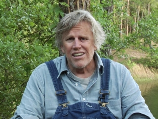Piranha 3dd Gary Busey Bloopers Featurette