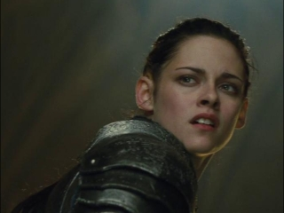 Snow White And The Huntsman: Snow White And The Duke's Army Confront The Queen