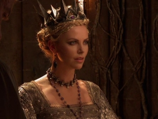 Snow White And The Huntsman: Beauty And Evil (Featurette)