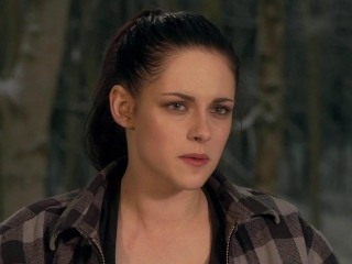 Snow White And The Huntsman Battle Charge On The Beach Featurette
