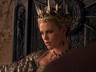 Snow White And The Huntsman: Death In The Throne Room (Featurette)