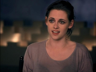 Snow White And The Huntsman Beautiful Heroine Featurette