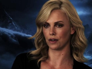 Prometheus: Charlize Theron On Vickers (German Subtitled)