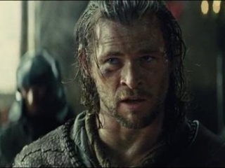 Snow White And The Huntsman: The Queen Questions The Huntsman In Her Throne Room (Spanish)