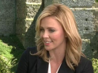 Snow White And The Huntsman: Charlize Theron (Spanish Subtitled)