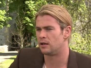 Snow White And The Huntsman: Chris Hemsworth (Spanish Subtitled)