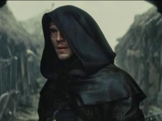 Snow White And The Huntsman: William Joins Finn And His Riders (Spanish)
