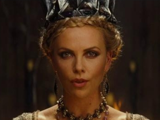 Snow White And The Huntsman The Queen Spanish Subtitled