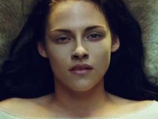 Snow White And The Huntsman: A Look Inside (Spanish Subtitled)