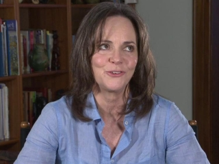 The Amazing Spider-man Sally Field On The Relationship Between Aunt Mary And Peter