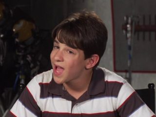 Diary Of A Wimpy Kid Dog Days Zachary Gordon On Bonding With His Father Frank