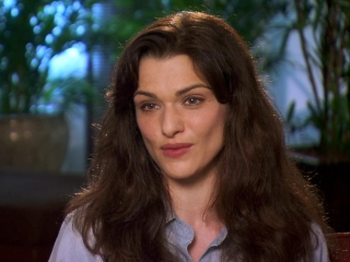 The Bourne Legacy Rachel Weiszmarta Character Featurette