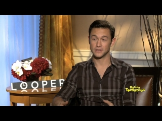 Rt Exclusive Interview With The Cast And Crew Of Looper