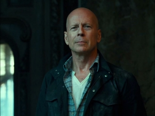 A Good Day To Die Hard Son Featurette