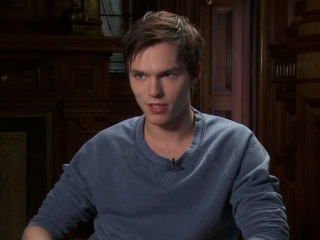 Warm Bodies Nicholas Hoult On His Character - Warm Bodies - Flixster Video