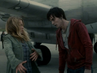 Warm Bodies R And Julie On Tarmac