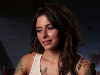 Bullet To The Head Sarah Shahi On Her Character - Bullet to the Head - Flixster Video